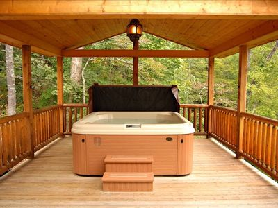 Engelzar Hot Tub