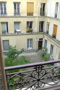 1 bedroom APARTMENT in Paris