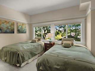Seattle house photo - 5th Bedroom On Second Floor with two Double Beds and Ensuite Bathroom