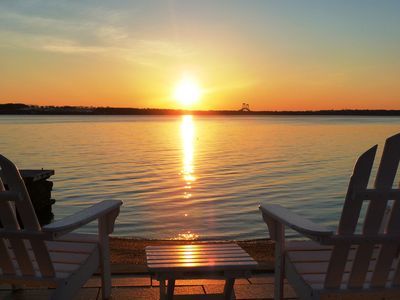 Private Beach and Dock - Relax on Narragansett Bay!