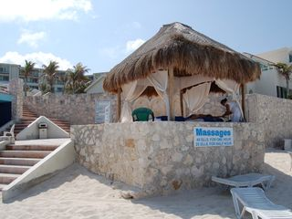 Cancun condo photo - Massages on the Beach