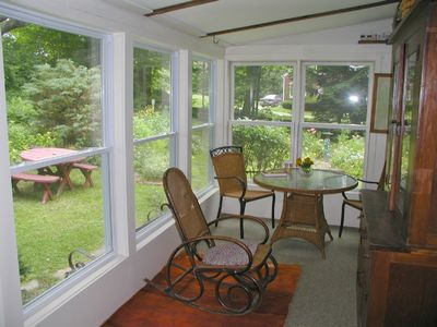 Manchester cottage rental - Window & Screen Enclosed porch.