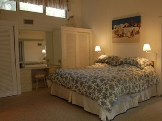 Sanibel Island cottage photo - Master bedroom (full bath & washer/dryer just off room) Dual closets