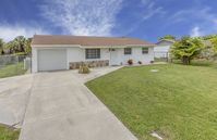 Van Nuys - Vacation home with heated pool near beach and golf course