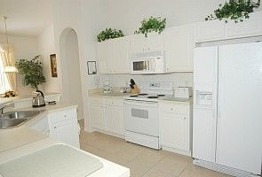 Spacious Open Plan fully equipped kitchen