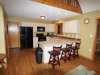 Lake Harmony Area house photo - Kitchen with breakfast bar