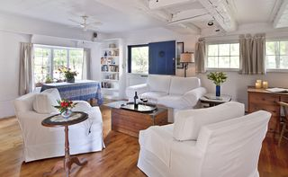 Woodstock studio photo - Herb Cottage: living room with armchairs that swivel to face the couch or HDTV
