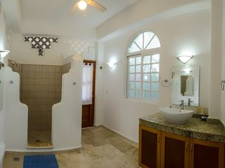Playa del Carmen house photo - Bathroom for first floor master.