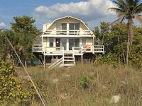 Beautiful Beach-To-Bay Home On Little Gasparilla Island