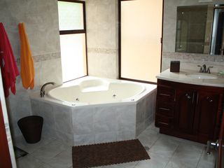 Punta Leona condo photo - Master Bathroom