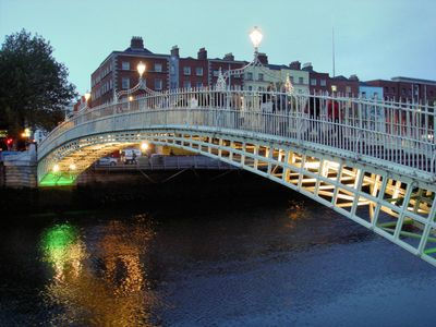 Halfpenny Bridge - 2 minutes walk from the apartment.