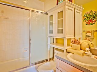 Key West house photo - The hall bathroom has tub and shower.