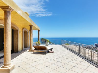 Villa Lyn in Fresnaye with ocean and mountain views ( 2 swimming pools)