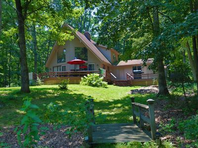 The Redbud Cottage--Beach & Quiet. Lake Sara Waterfront & Wood Fires.