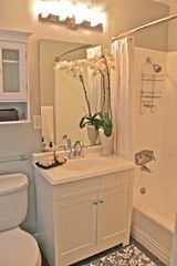 Hermosa Beach apartment photo - Bathroom
