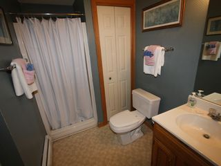 Bretton Woods townhome photo - Main Level - Bathroom