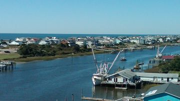 View of Holden Beach SE from Holden Bridge.
