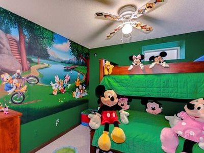 Bedroom #4- Bunk bed with day at the lake wall mural.