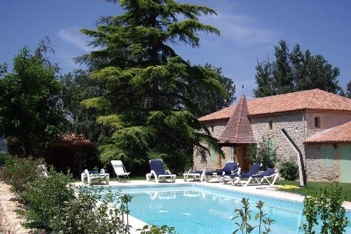 Large self-catering gîte on a farm, in the heart of the Lot Valley