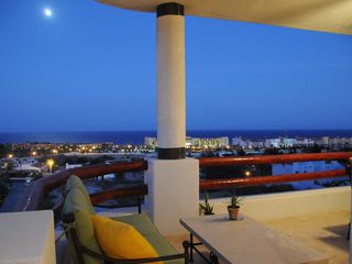 San Jose del Cabo condo photo - Corner by Moonlight: Sparkling lights! Sea breezes! Hear the waves!