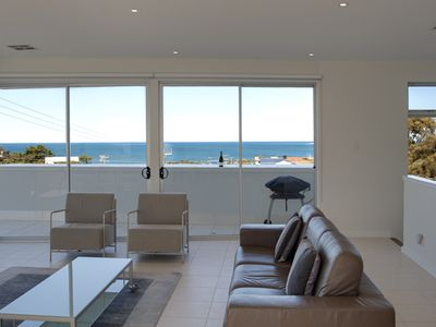 3-storey executive townhouse with ocean views and high quality italian furniture
