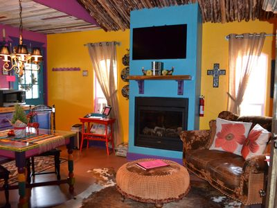 Perfect Girlfriends Getaway 2BR/2BA Eclectic Mexican Casita & Gypsy Bower