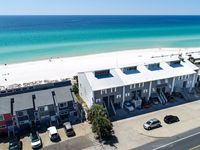 NEWLY RENOVATED TOWNHOUSE DIRECTLY ON THE BEACH!!!!
