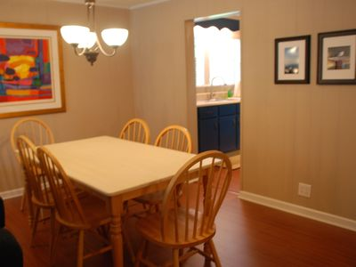 Dauphin Island cottage rental - Dining area seats six