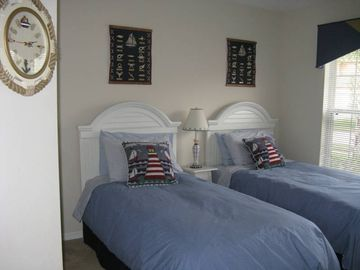 Sailing theme Bedroom, 2 twin beds