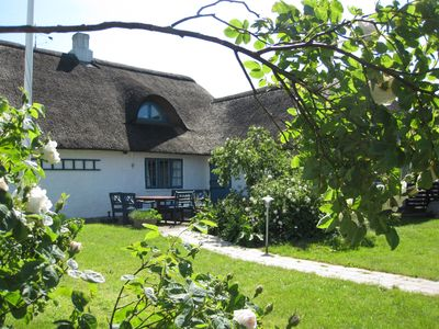 Reetgeddecktes house with garden, 500 m to the Wadden Sea, pets allowed.