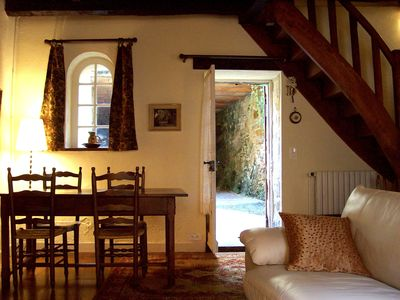 Beynac et Cazenac cottage rental - Dining table easily accommodates 5 guests