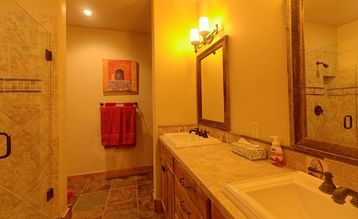 Casa Big Sky has two large bathrooms