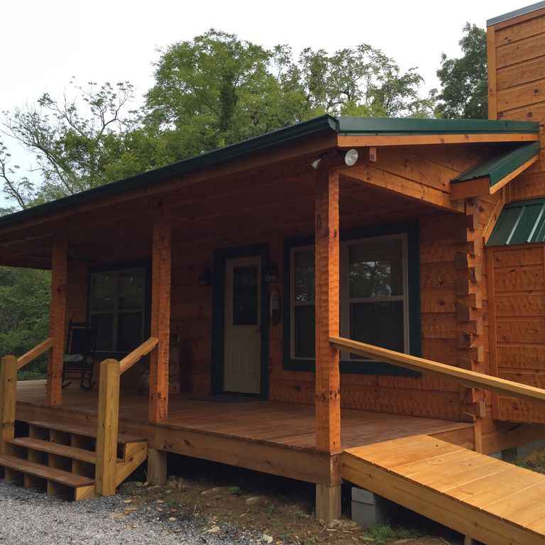 Honeymoon/couples Retreat -  Very Private New Custom Built Log Cabin - Wi-fi