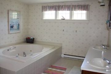 Master Bath- Double sinks, shower, jacuzzi and laundry.