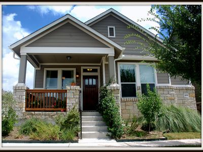 Charming Mueller Bungalow Style Home Close To Downtown Vacation