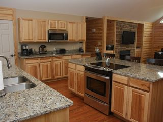 Luray cabin photo - Kitchen with granite countertops !