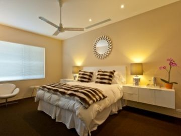 Guestroom with King bed and en suite bath