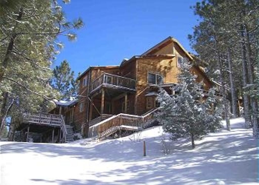 Large And Cozy Lodge Cabin In Big Bear Tons Vrbo