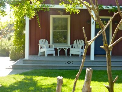 Sonoma cottage rental - Front porch