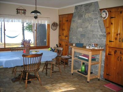 Large country kitchen, views of the Lake, well-equipped, plenty of seating