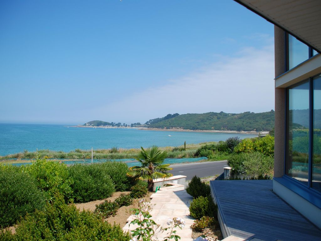 Accommodation near the beach, 115 square meters,