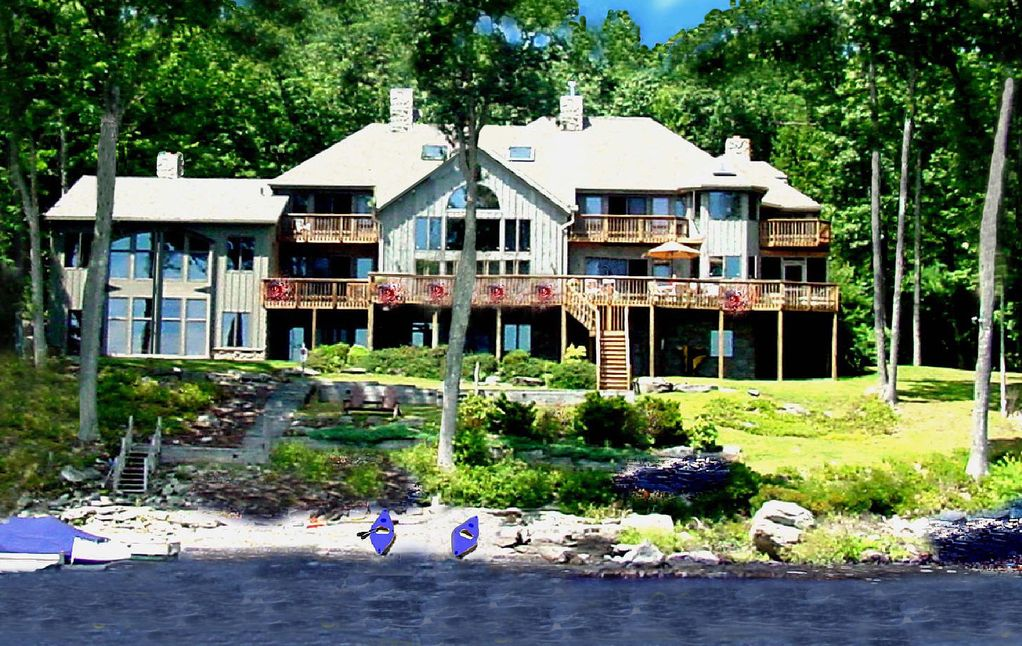 Magnificent direct waterfront in pocono mtns vrbo for Lake cabin rentals pennsylvania