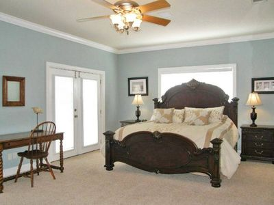 Huge main master suite with adjoining bunkroom, walk-in closet