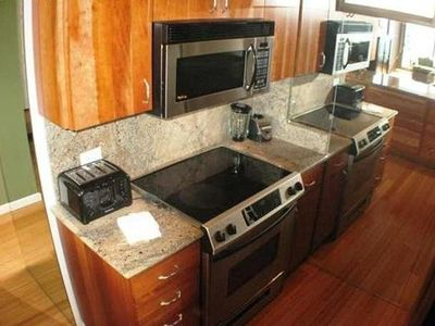 Kitchen Stove With Granite Counters