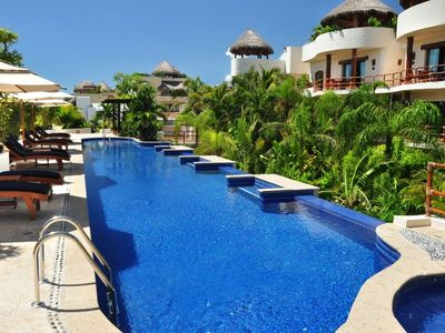 Playa del Carmen condo rental - Pool is almost Olympic in length