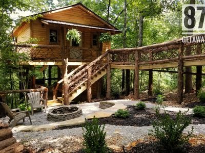 The 87Getaway Secluded Treehouse Escape