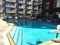 San Diego:waterfront Suites In Little Italy With Pool