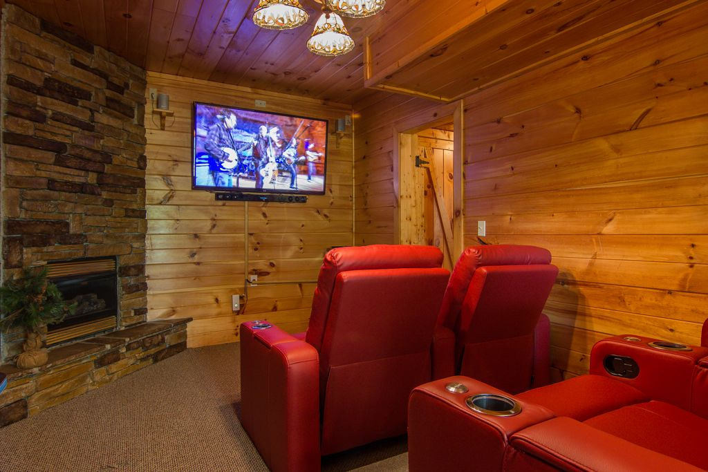 3 fireplaces theatre room video games pool vrbo for Table 9 movie