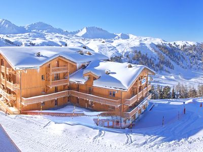 An apartment in a residential complex with a swimming pool and sauna. The complex is directly by the ski-run