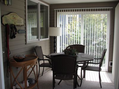 Front 3-season porch